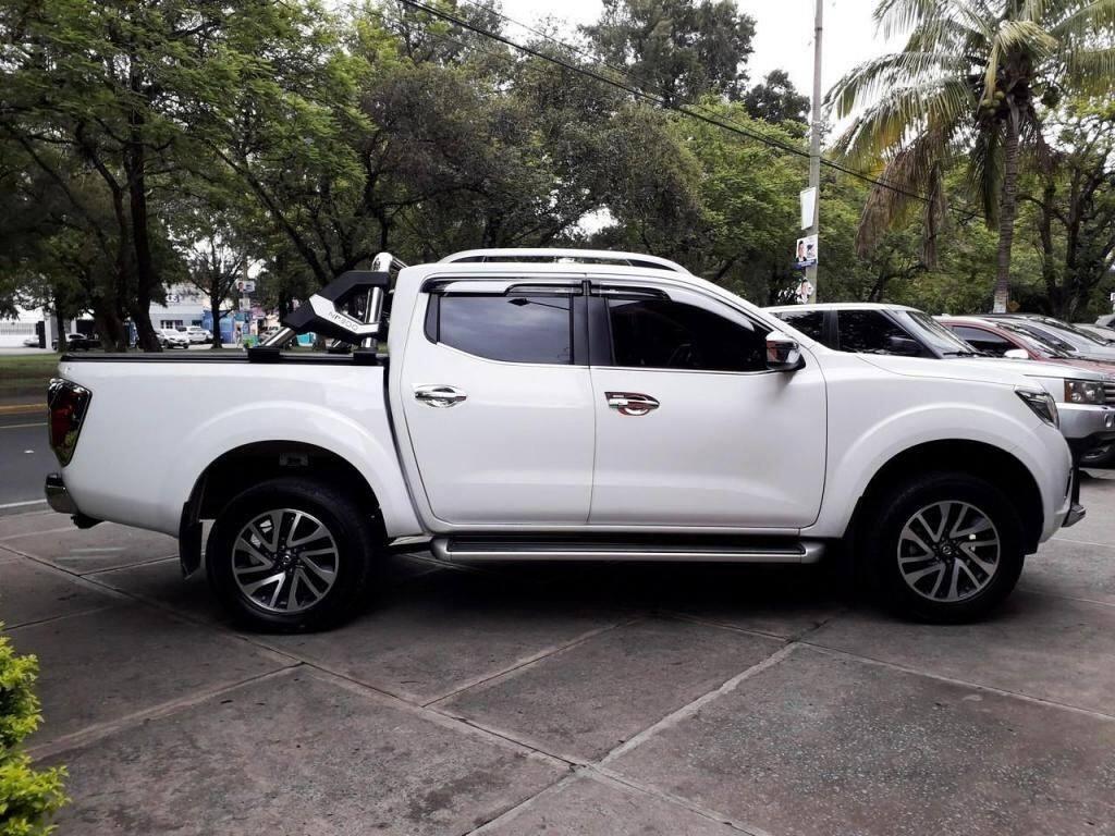 2017 NISSAN FRONTIER D23 2.5 4X4 - Venta De Carros En Guatemala