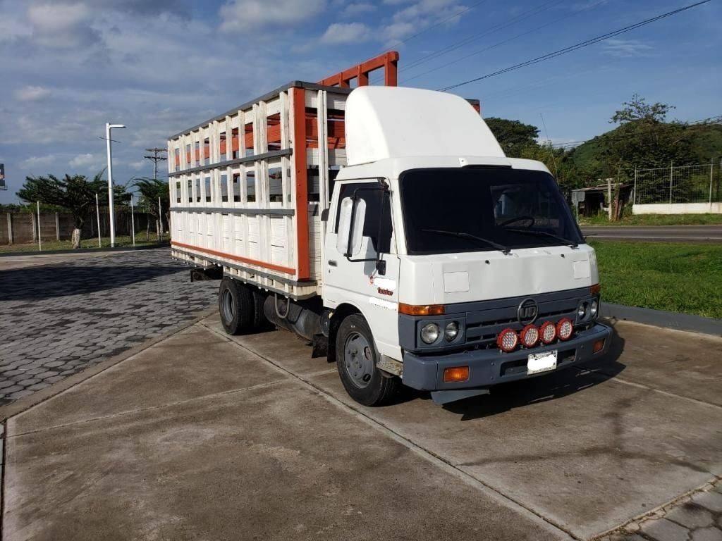 Camion Nissan Ud Mod. 93 de 6 Toneladas - venta de carros