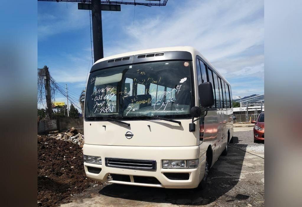 Microbus Nissan Civilian - venta de carros en guatemala
