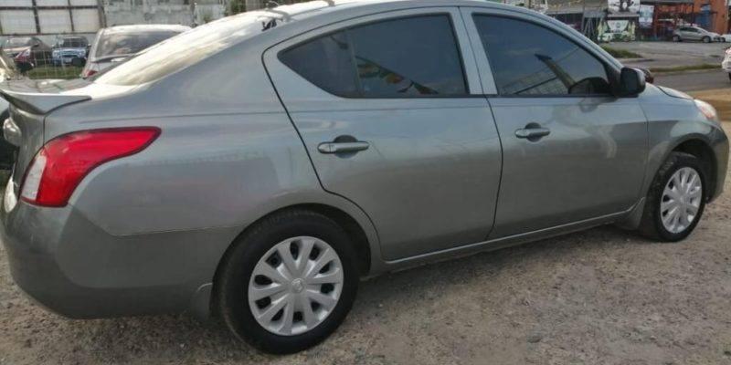 Nissan Versa 2014 1.6pure Drive - venta de carros en guatemala