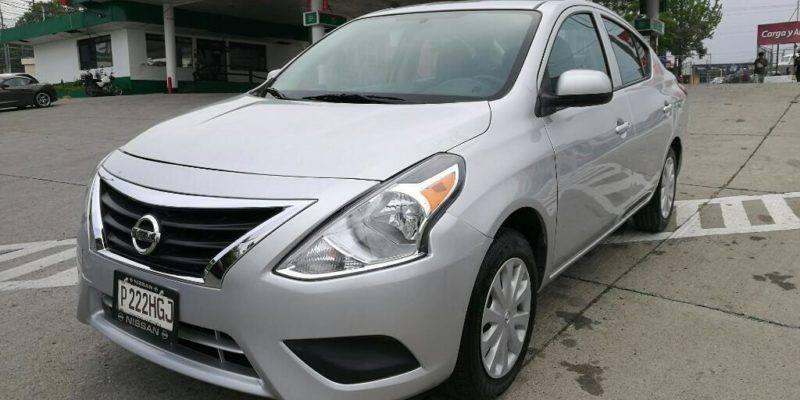 Nissan Versa M.15 Mecánico - venta de carros en guatemala