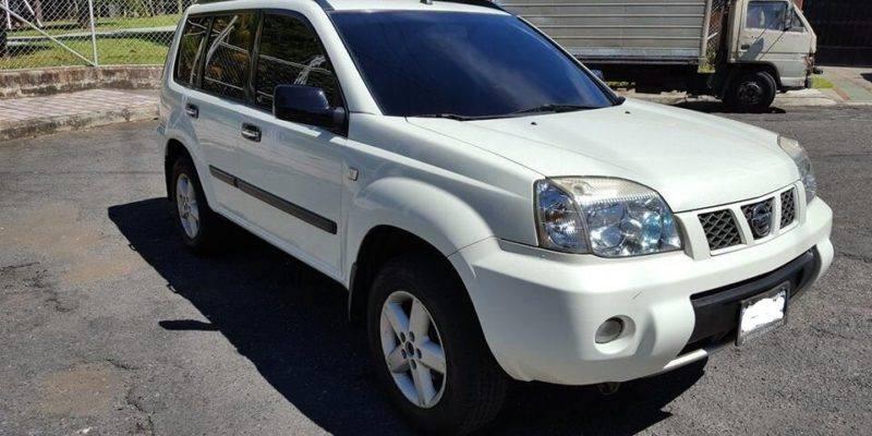 Nissan Xtrail automática 4x4 T30 modelo 2013 - venta de carros en guatemala