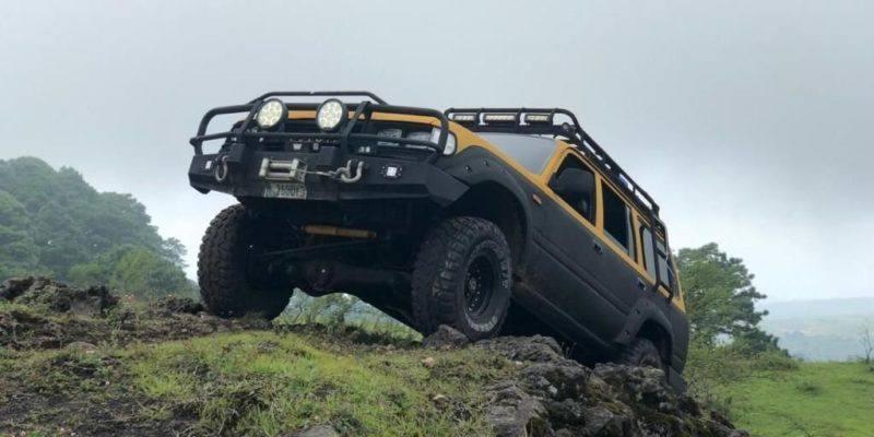 Toyota-Land-Cruiser-4x4-Off-Road-Venta-de-carros-en-guatemala