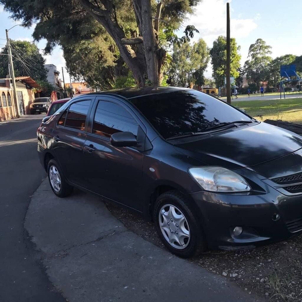 Toyota-Yaris-de-Agencia-venta-de-carros-en-guatemala