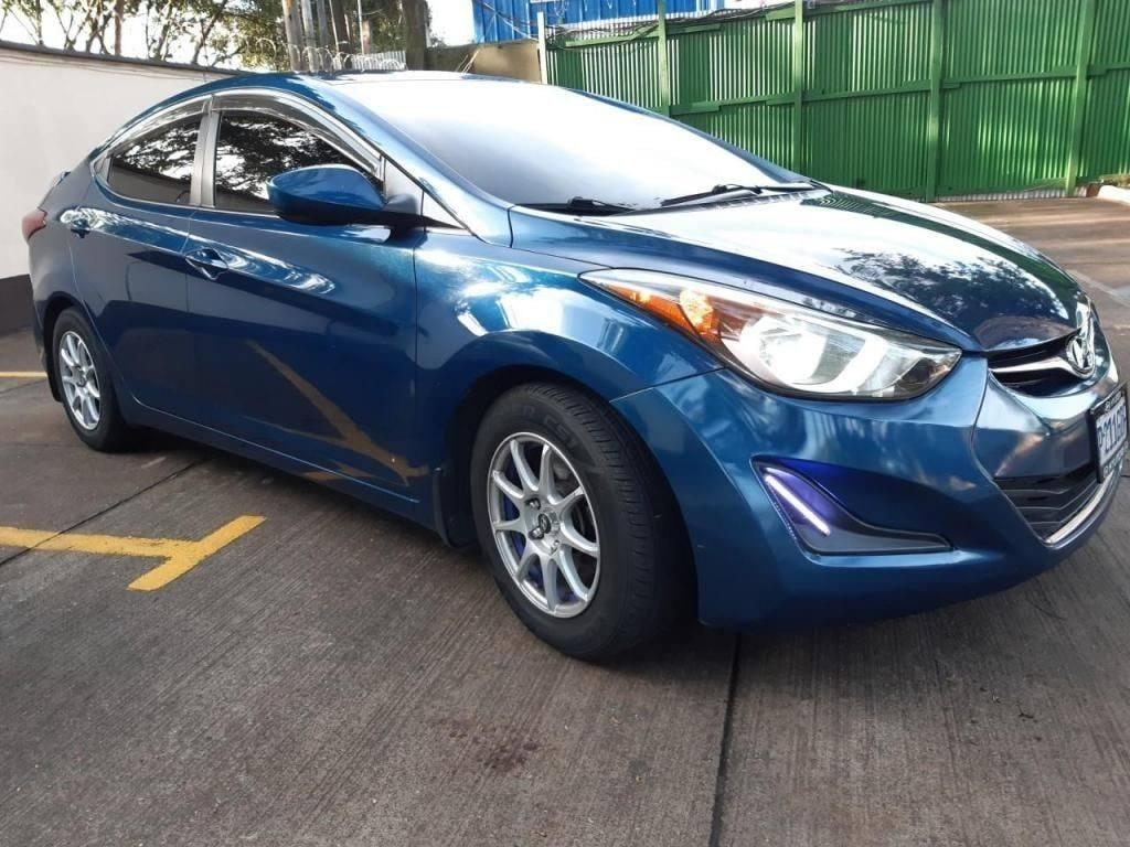 Hyundai Elantra Modelo 2016 - Carros en venta