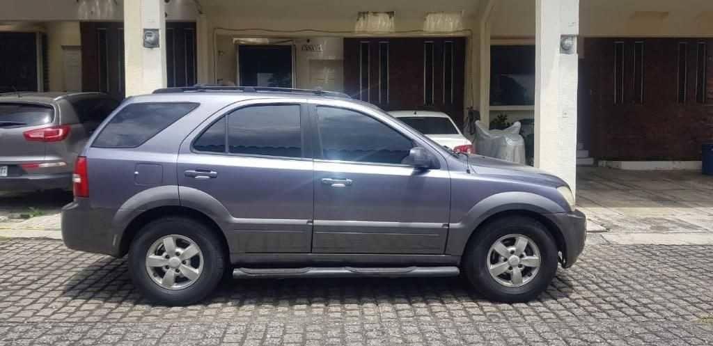 Camioneta Kia Sorento Ex 2008 - carros baratos en venta en guatemala