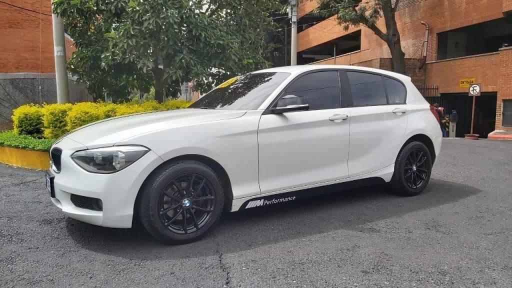 CARRO BMW 114I MODELO 2014