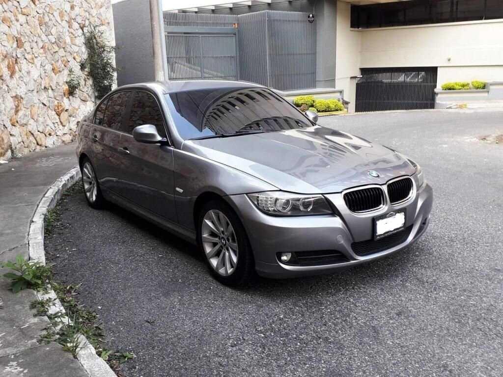 BMW 2010 320I De Agencia