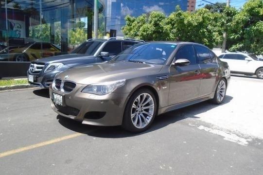 CARRO BMW 5 M5