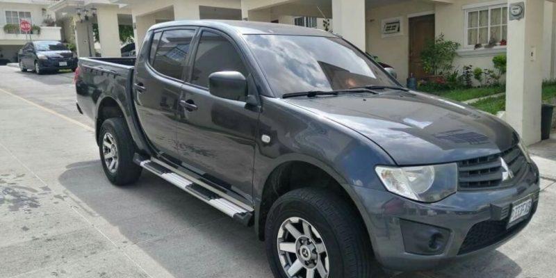 Pick Up Mitsubishi L200 Modelo 2015 - Venta De Carros En Guatemala