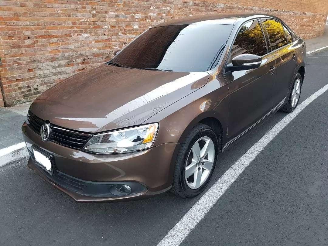 Volkswagen Jetta 2013 De Agencia En Venta