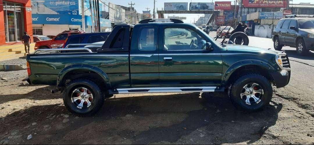 Pickup Toyota Tacoma - Carros en Venta en Chimaltenango