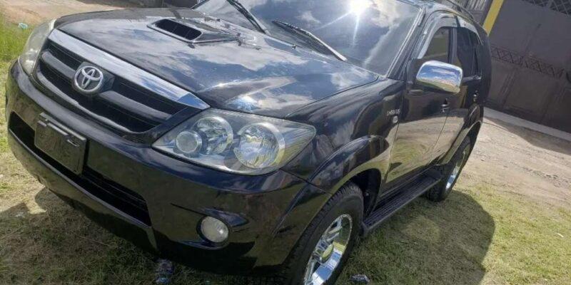 Camioneta Toyota Fortuner Diesel - carros de venta en huehuetenango